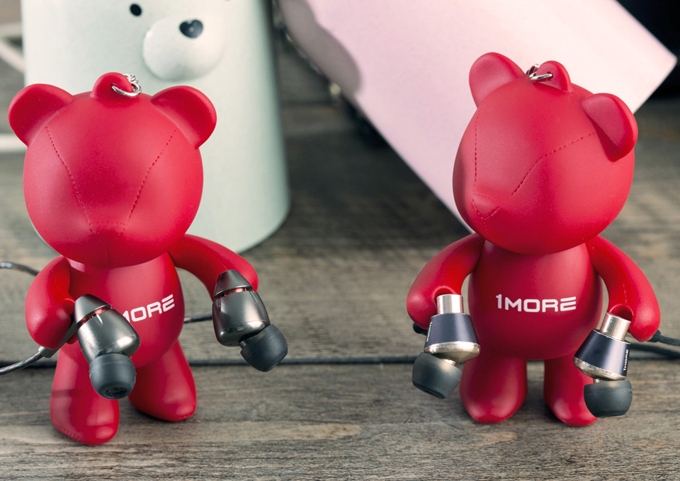 Брелок 1MORE Bear Earphone Stand с наушниками
