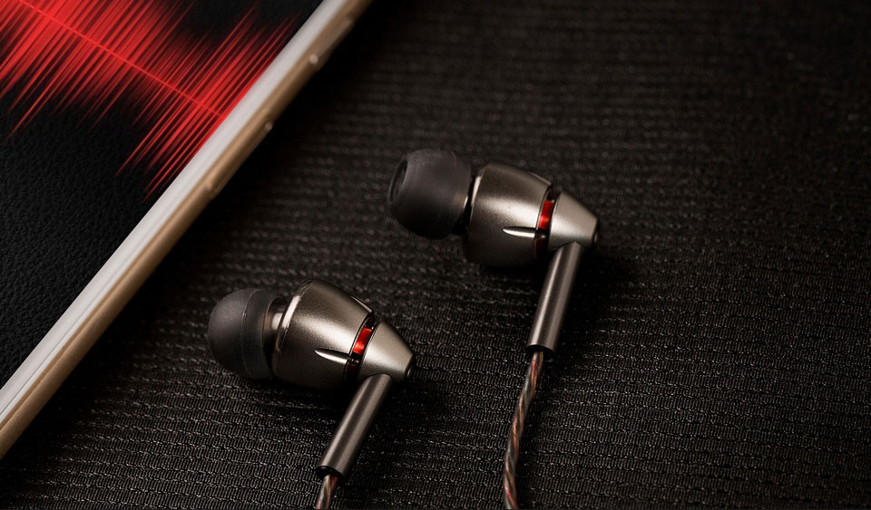 1MORE Quad Driver In-Ear Headphones наушники