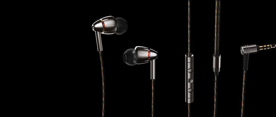 1MORE Quad Driver In-Ear Headphones награда