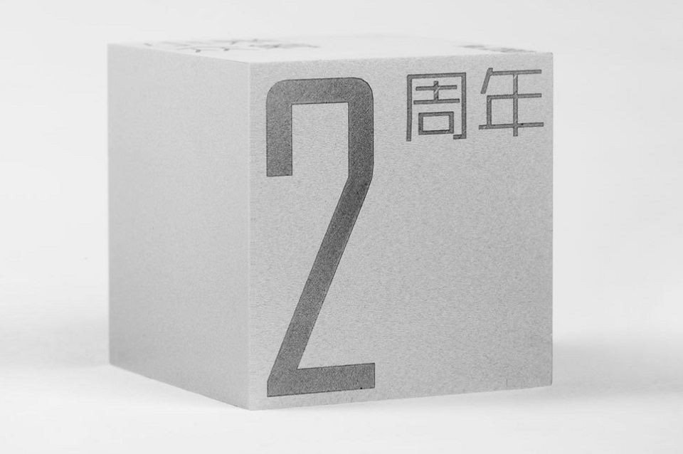 Сувенир Mi Commemorative cube limited edition куб крупным планом