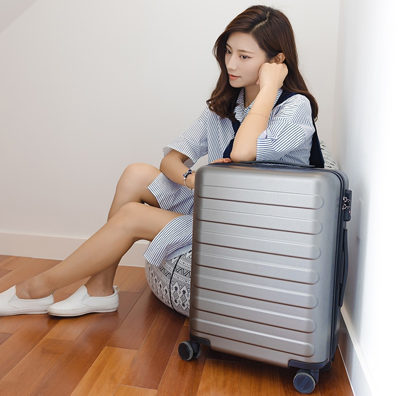 RunMi-90-Points-suitcase-Business-Travel
