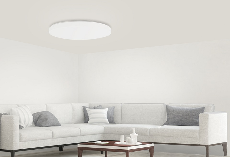 Лампа Yeelight LED Ceiling Light в гостинной
