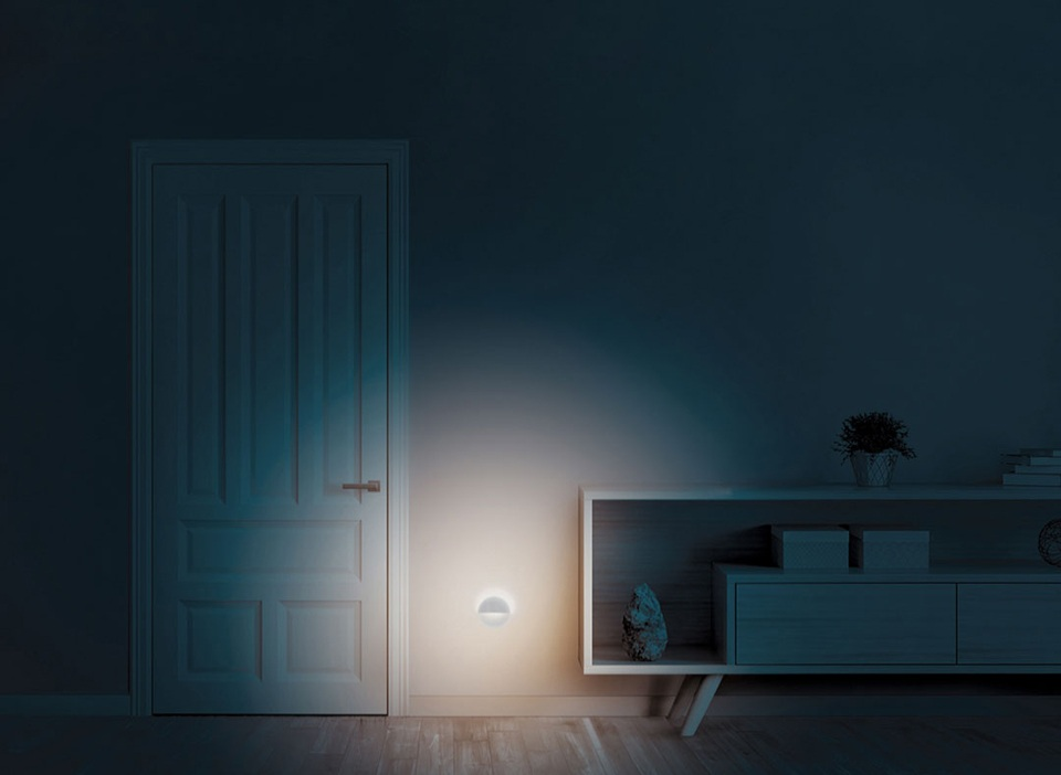 Ночная лампа Mijia Philips Bluetooth Night Light White в комнате