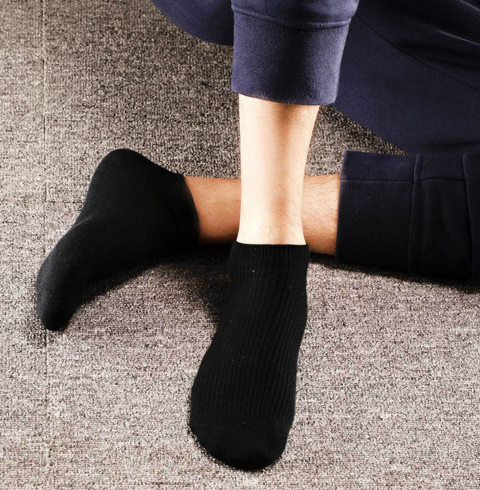 short-xiaomi-socks-man-1