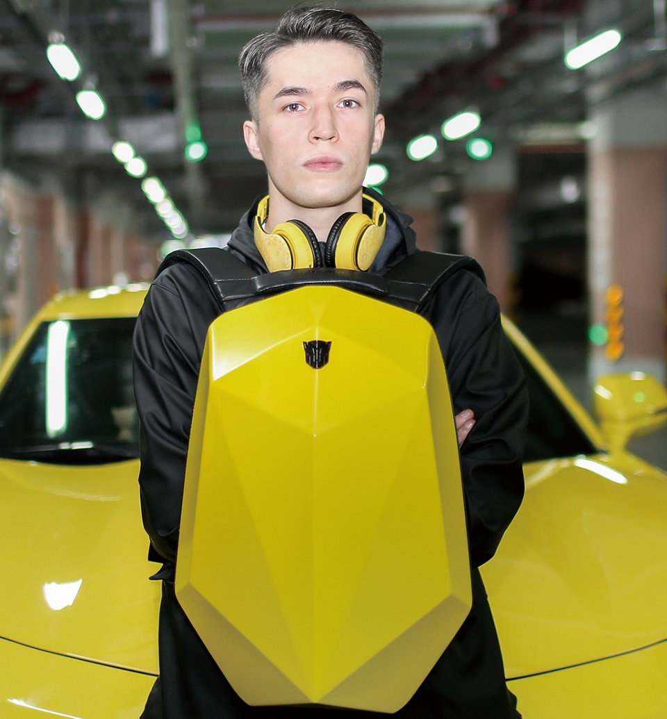 Рюкзак Transformers Bumblebee Polyhedron Backpack материал