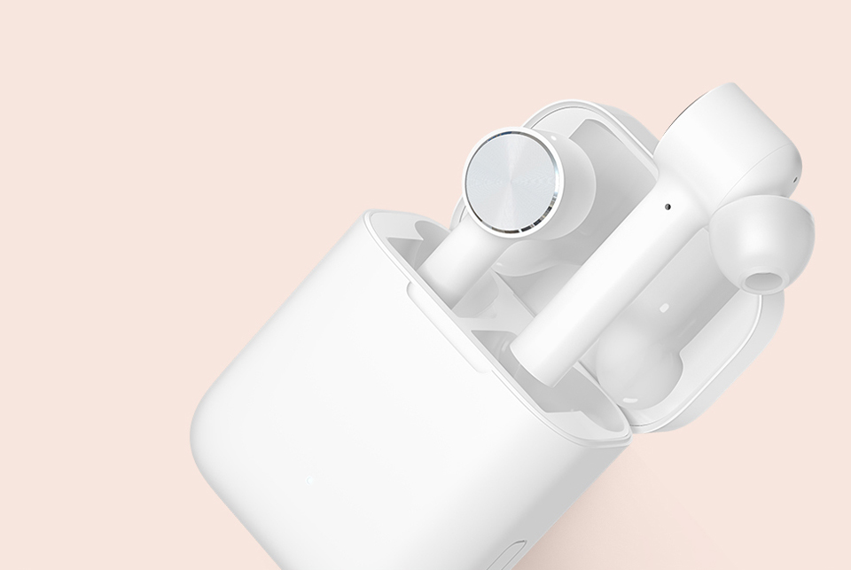 Наушники Xiaomi Air Mi True Wireless Earphones White и док-станция